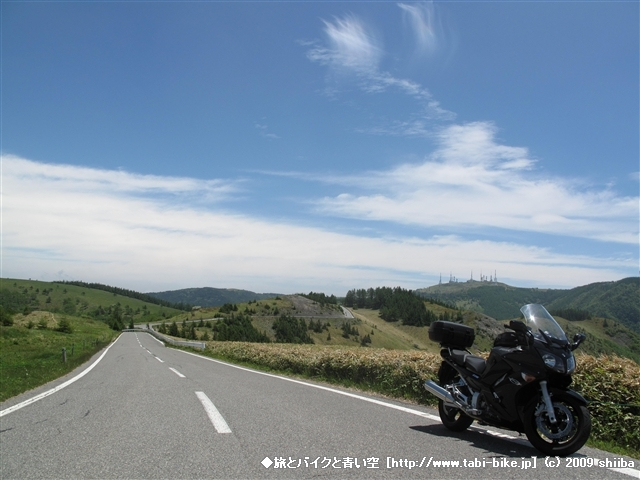090621-FJR1300AS-bluesky.jpg